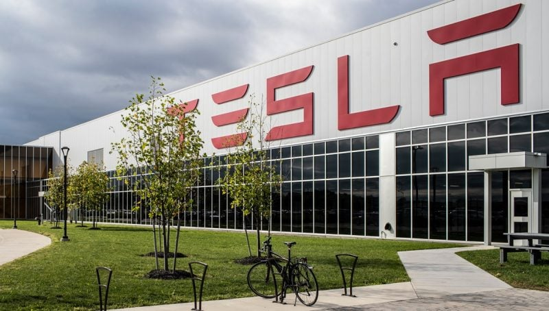 Morgan Stanley Raises Tesla Bull Case to $1,200 Per Share, Maintains Underweight Rating 1