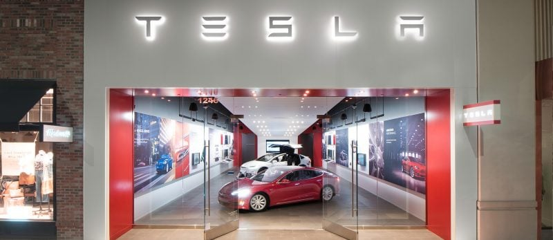 No Tesla Dealerships: Why the Tesla Store Model is the Future